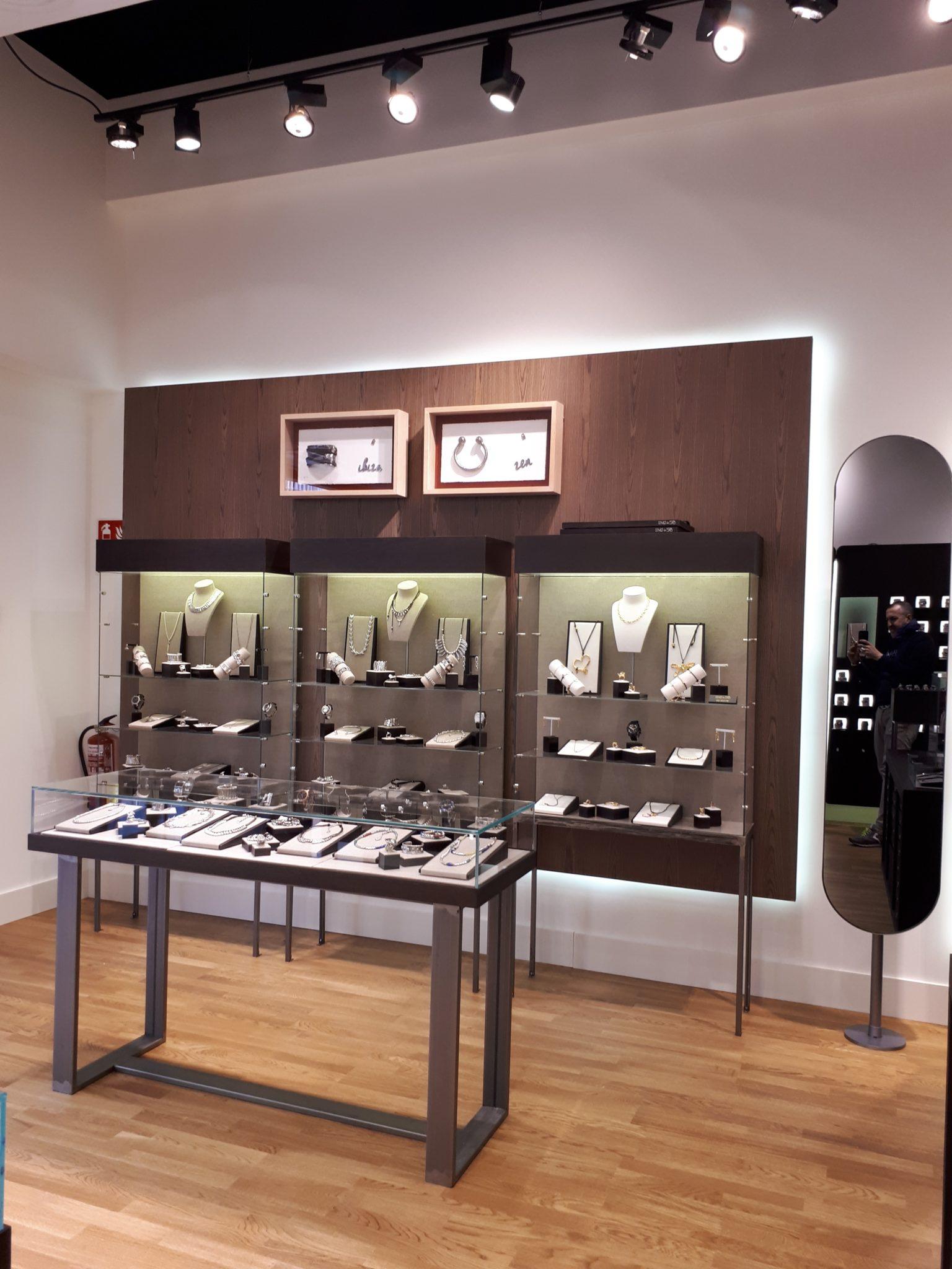 tienda-Unode50-laroca